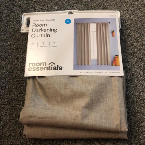 NWT Room essentials room darkening curtain 42x 84